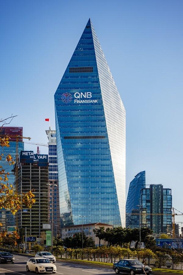 qnb finansbank kimin, kristal kule görüntüsü, qnb finansbank merkez binası